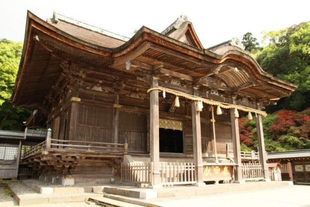 Đền chính Koura_kaisha