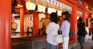 10 điều cần chú ý khi đến cầu nguyện tại các đền thờ ở Nhật