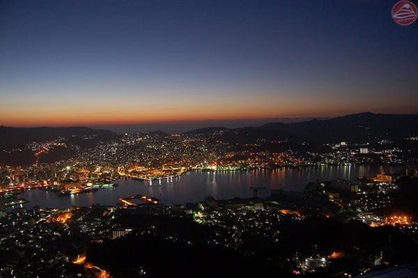 Cảnh về đêm Nagasaki