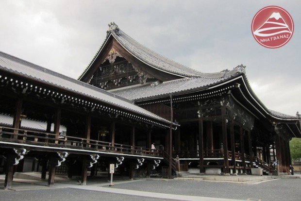 Nishi-hongan-ji-temple-kyoto