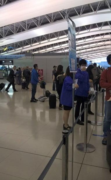 Đội ngũ hướng dẫn tại sân bay
