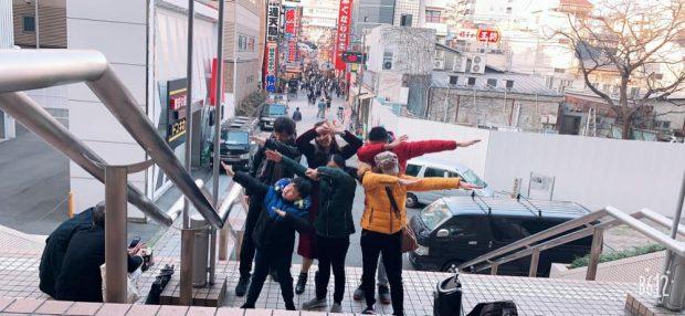 Á hậu Thụy Vân cùng gia đình tại Nhật Bản