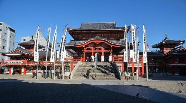 đền thờ osu kannon