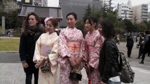 Kimono dự lễ anh đào