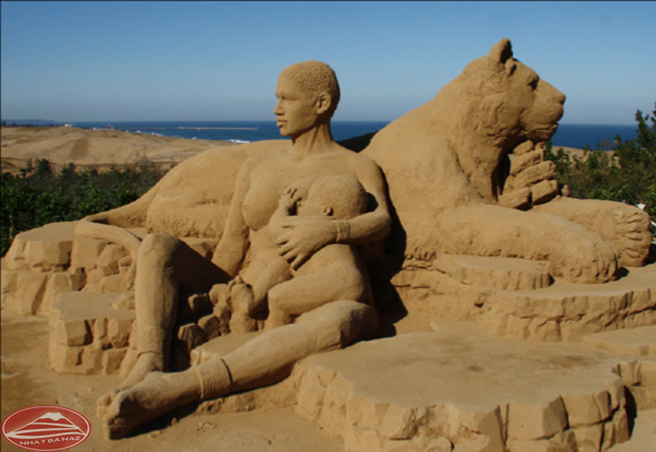 Bức tượng cát chân thực