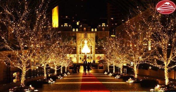 Lễ hội ánh sáng được trang trí lộng lẫy, hoành tráng dưới ánh đèn led