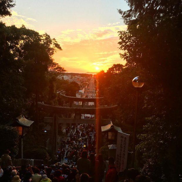 """""""Con đường ánh sáng"""" ở Miyajidake_jinja"""