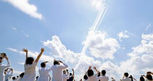 Nhật Bản biểu diễn máy bay