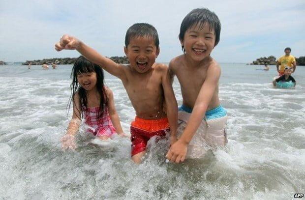 dịp tốt cho các em tập bơi, giải trí
