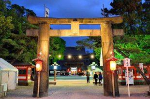 Cồng đền koura_kaisa huyền ảo về đêm