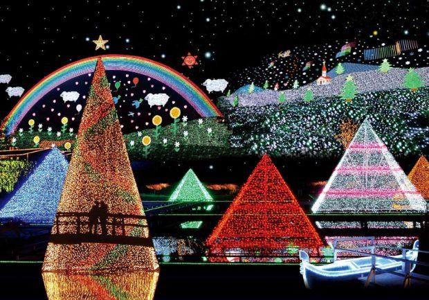 Cây thông lung linh ở lế hội anh sáng Ashikaga-Flower-Park