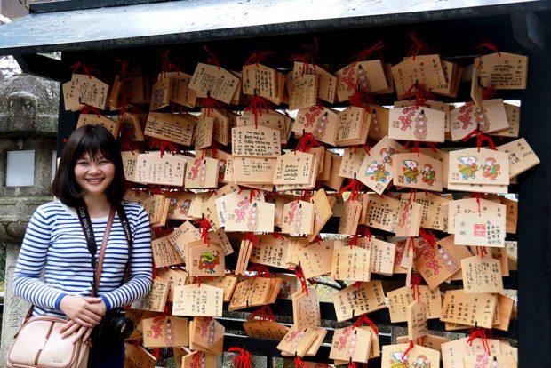 Thẻ cầu phước lễ chùa đầu năm Nhật Bản