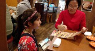 Văn hóa phục vụ khách hàng của người Nhật: quỳ ghi hóa đơn